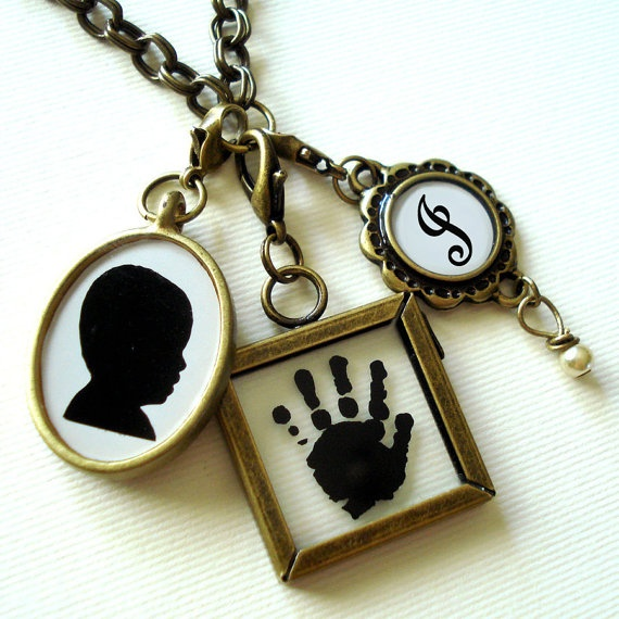Such sweetness: Hands Prints, Styles Pinboard, Pendants, Mothers Day Gifts, Charms, Custom Keepsake, Custom Jewelry, Gifts Idea, Custom Silhouette