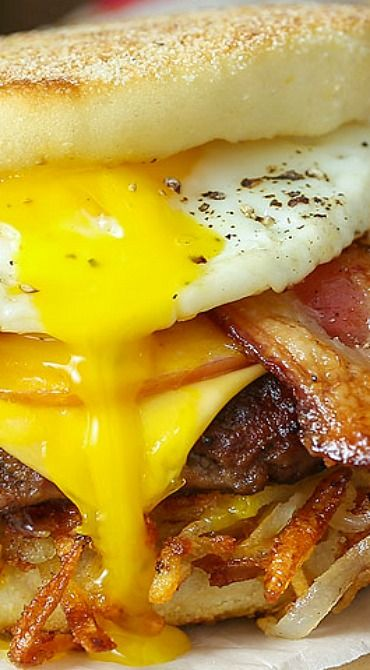 Royal Bacon Breakfast Burger