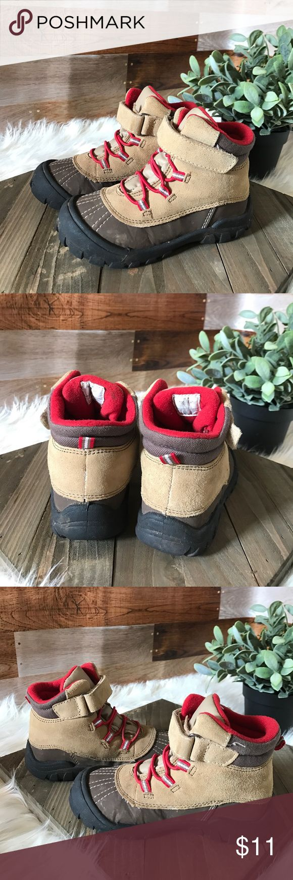 """Old navy boys hiking snow boots Old navy boys hiking boots with Velcro trap and elastic """"laces"""" used condition. Old Navy Shoes Rain & Snow Boots"""