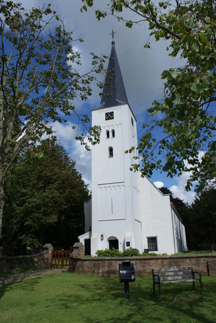 Het witte kerkje, Heiloo, 30 augustus 2012  The white church, near the holy well of st Willibrordus, Heiloo, the Netherlands