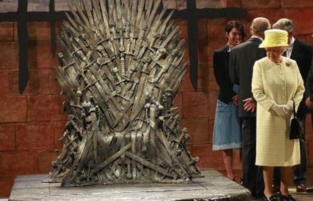Queen Elizabeth II is not amused by the Iron Throne