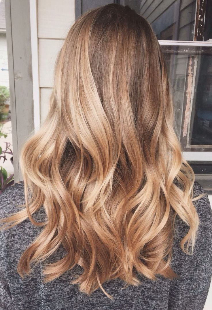 Highlights wavy hair #gorgeoushair http://eroticwadewisdom.tumblr.com/post/157384817922/hairstyle-ideas-short-hair-with-casual-look-is