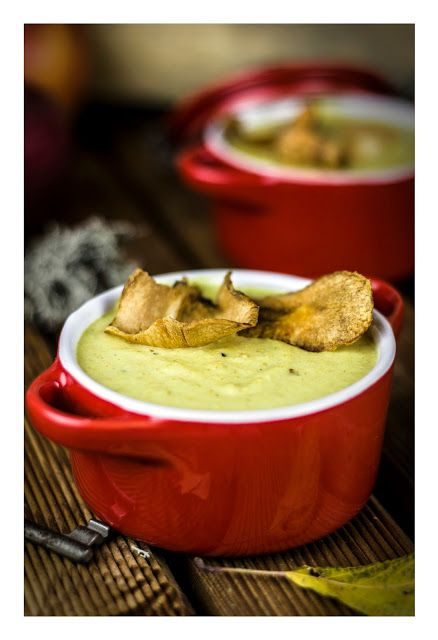 Apple & celery curry soup