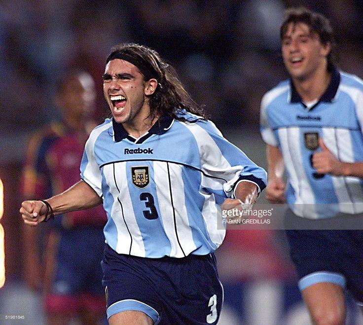 argentinas-juan-pablo-sorin-celebrates-his-goal-against-venezuela-by-picture-id51981845 (1024×917)