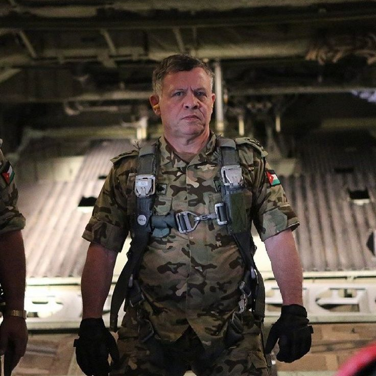 11 photos showing King Abdullah II of Jordan being a total badass (Now this is a REAL leader!!!)