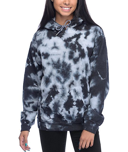 Update your basics collection with standout styling of the Tera black and white tie dye hoodie for girls by Zine. Inspired by throwback styles and prints, this pullover hoodie comes in an allover black and white tie dye design that will set your style apa