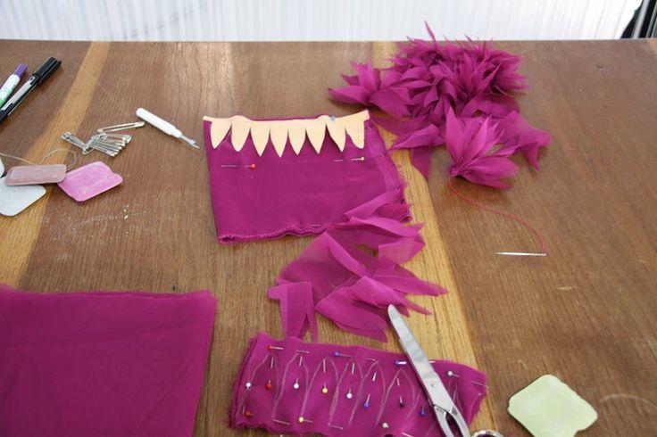 La gonna a palloncino di Anna Borrelli - Detto fatto 24/11/14 Sete e voile per realizzare dei facilissimi fiori con i quali decorare la gonna a palloncino
