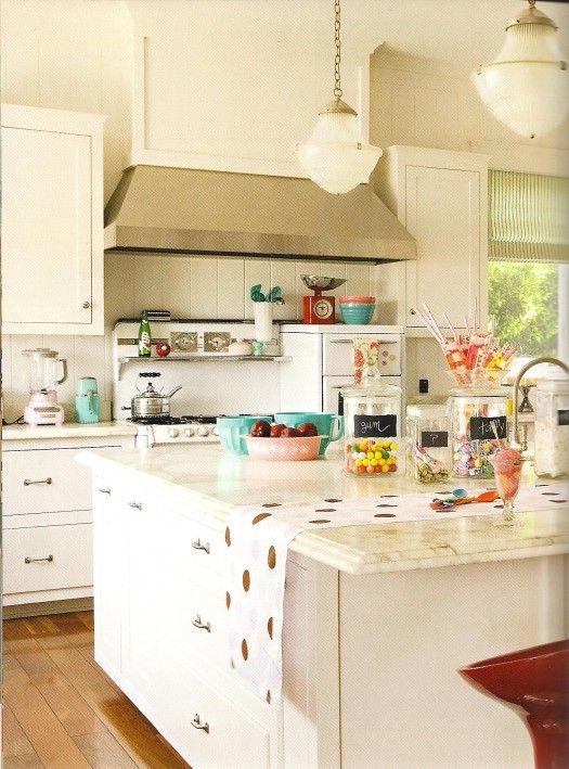 Bright, Late 40s Style Kitchen. Love! #retro, #kitchen,