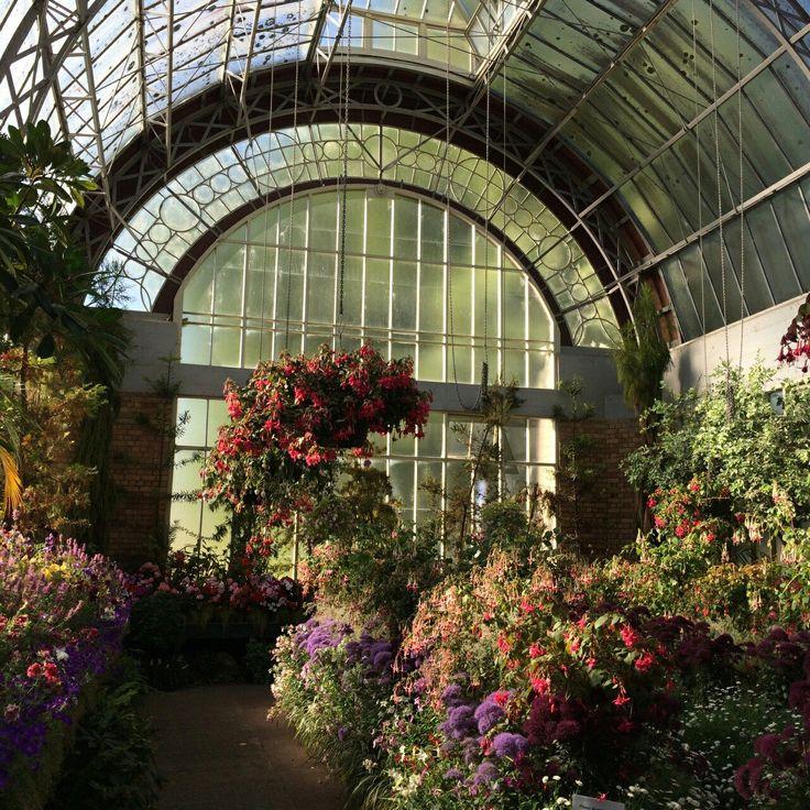 392 best serre verri re conservatory glasshouse images on pinterest greenhouses. Black Bedroom Furniture Sets. Home Design Ideas