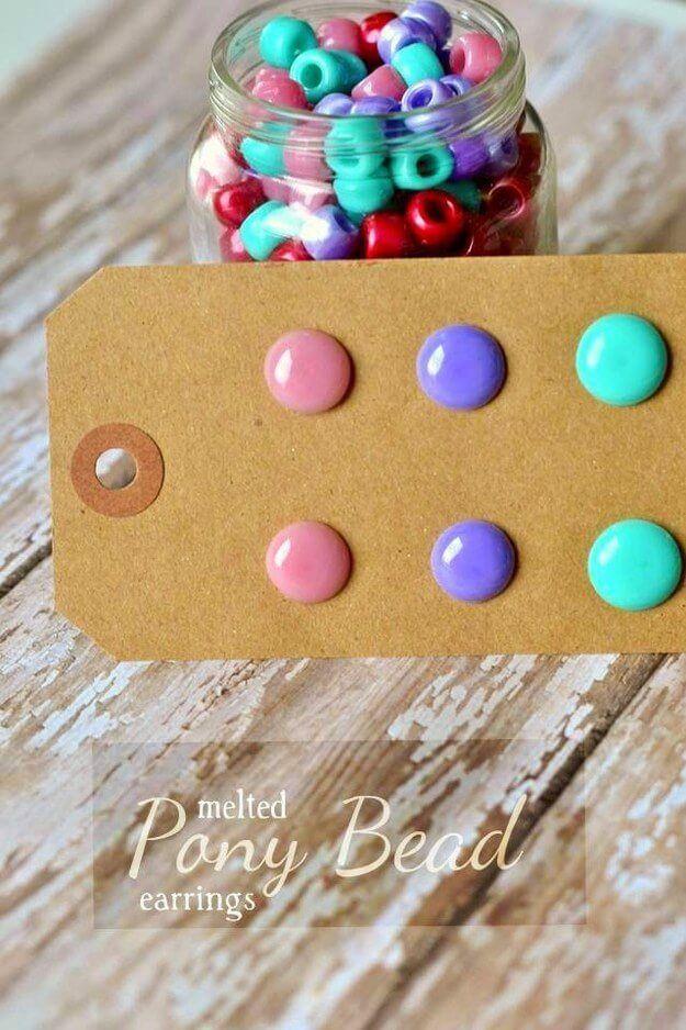 Tolle DIY Projekte für Kinder, die auch die Erwachsene ausprobieren wollen - Ohrringe aus Pony Perlen