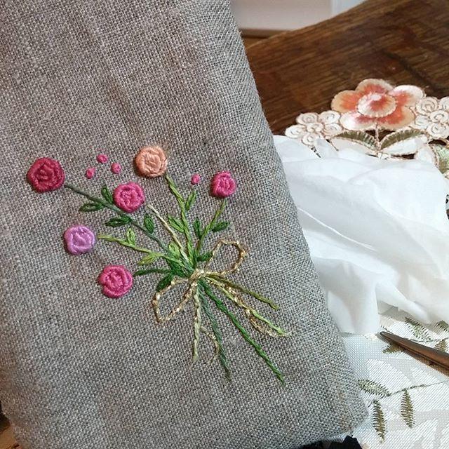 #Embroidery#stitch#Needlework #프랑스자수#일산프랑스자수#자수 #생화든 자수든 꽃은 아름답다~