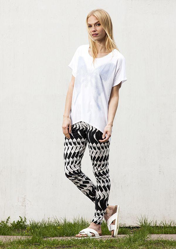 Papilio t-shirt and Pinta leggings / Nanso SS 2016