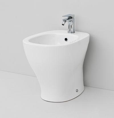 Ten, design Meneghello Paolelli Associati #bathroom #bagno #sanitaryware #sanitari #design #sink #artceram floor bidet 36x52