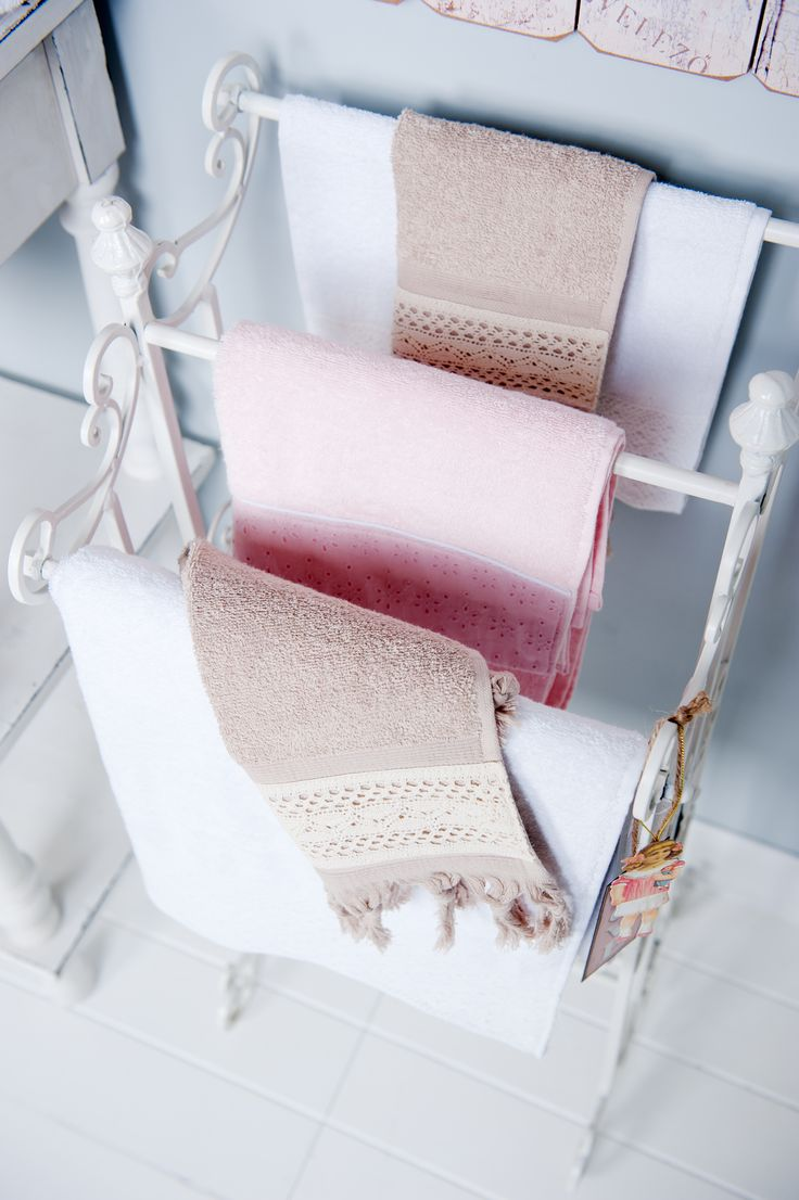 Beautiful towels with lace | Wellness
