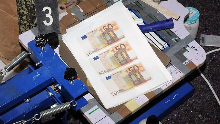 """More than 50 Arrested in International Darknet Counterfeit Sting -  Through an international operation, Europol and local law enforcement agencies arrested 53 counterfeiters that distributed or purchased fake euro banknotes via the darknet. The """"joint action day"""" involved seven EU Member States, coordinated by Europol, their press release noted. The entire... - https://thebitcoinnews.com/more-than-50-arrested-in-international-darknet-counterfeit-sting/ Advertise your #"""