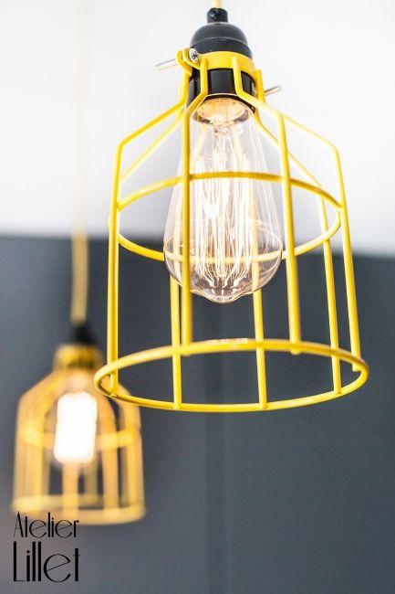 Lampy klatki w kolorze żółtym