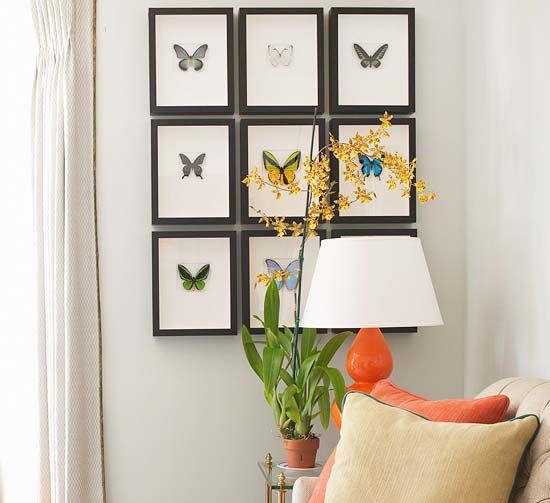 Если в помещении преобладают спокойные, пастельные цвета, можно украсить стену фотографиями ярких, цветных бабочек. Тёмные фоторамки без рисунка пригодятся как нельзя кстати  #рамка #багетнаямастерская #рамкадлябабочки #фоторамка #багетнаямастерскаяВиртуоз