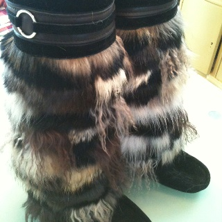 Gorgeous extra tall mukluks in black with black & chocolate brown fur. www.juliepedersen.com