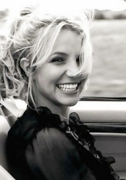 Britney Spears  #britneyspears #qtrax #music #free #legal #download #site #play #player #collection #lyrics #musicclips #clips #videos #news #freemp3