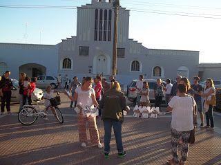 Difusión Cultural Casbense: En la Plaza de Casbas docentes realizaron una mani...