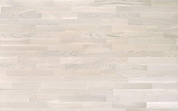 Parchet Frasin Alb din lemn 3 Strip Usor de CuratatParchet Frasin Alb Triplu Stratificat din lemn de Frasin Alb din colectia Samba de la Tarkett , este rezistent la uzura ,  zgarieturi si usor de curatat. Samba pune la dispozitia tuturor un parchet de lemn clasic si design 3-strip.