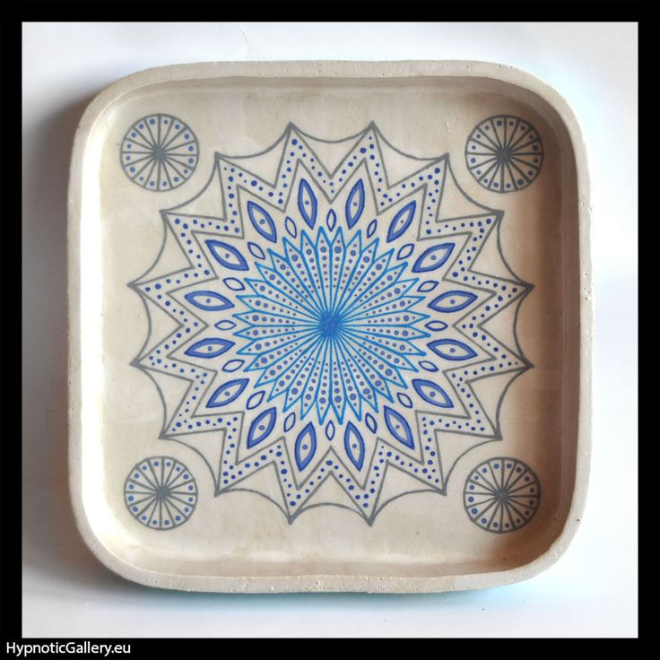 Bowl with blue pattern. Misa z niebieskim wzorem