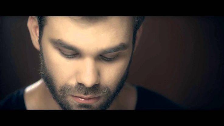 Γιώργος Σαμπάνης - Μη μιλάς | Giorgos Sampanis - Mi milas - Official Vid...