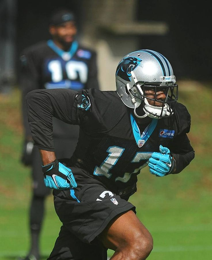 Carolina Panthers wide receiver Devin Funchess runs downfield during practice on Thursday, November 5, 2015.