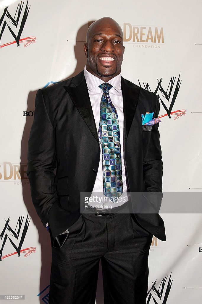 titus singles Titus o'neil on how batista helped him, if he really threw up on smackdown, future as a singles star.