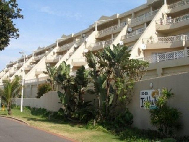Isikulu 16 - This apartment is located in Isikulu apartment block in Umdloti. Located right on the beach the it has stunning views and easy access to the beach. The complex has many facilities for guests to enjoy. ... #weekendgetaways #durban #southafrica