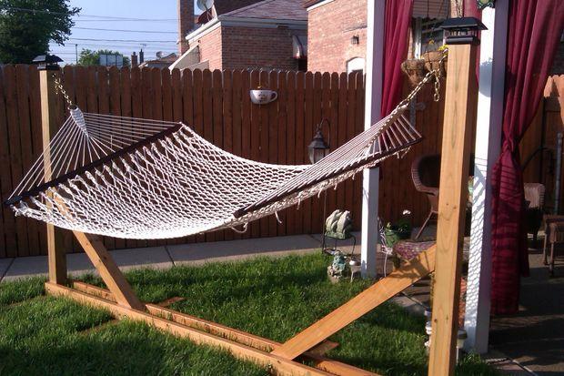 DIY HAMMOCK STAND http://www.instructables.com/id/wooden-hammock/