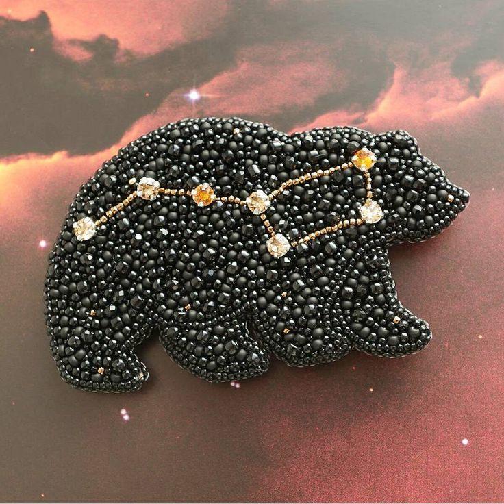 Автор @murarisa_beads   〰〰〰〰〰〰〰〰〰〰〰〰〰〰 По всем вопросам обращайтесь к авторам изделий!!!  #ручнаяработа #брошьизбисера #брошьручнойработы #вышивкабисером #мастер #бисер #handmade_prostor #handmadejewelry #brooch #beads #crystal #embroidery #swarovskicrystals #swarovski #купитьброшь #украшенияручнойработы #handmade #handemroidery #брошь #кольеручнойработы #кольеизбисера #браслеты #браслетручнойработы #сутажныеукрашения #сутаж #шибори #полимернаяглина #украшенияизполимернойглины