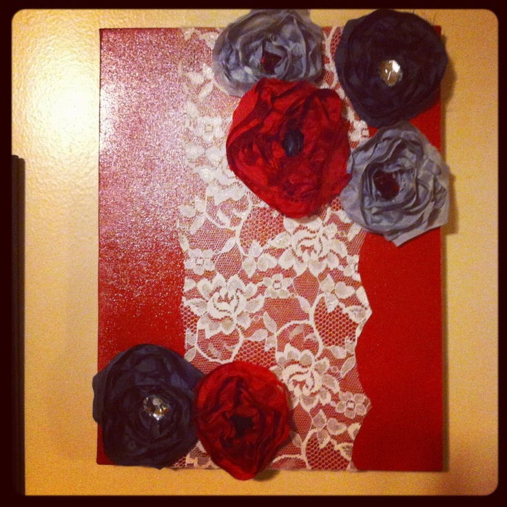 Spray painted canvas, lace, handmade sown flowers. #walldecor #Diy