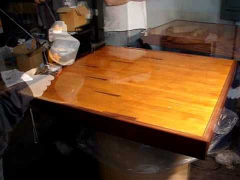 HOW TO APPLY EPOXY RESIN ON TABLE TOPS COUNTER TOPS BAR TOPS APPLICATION DEMONSTRATION