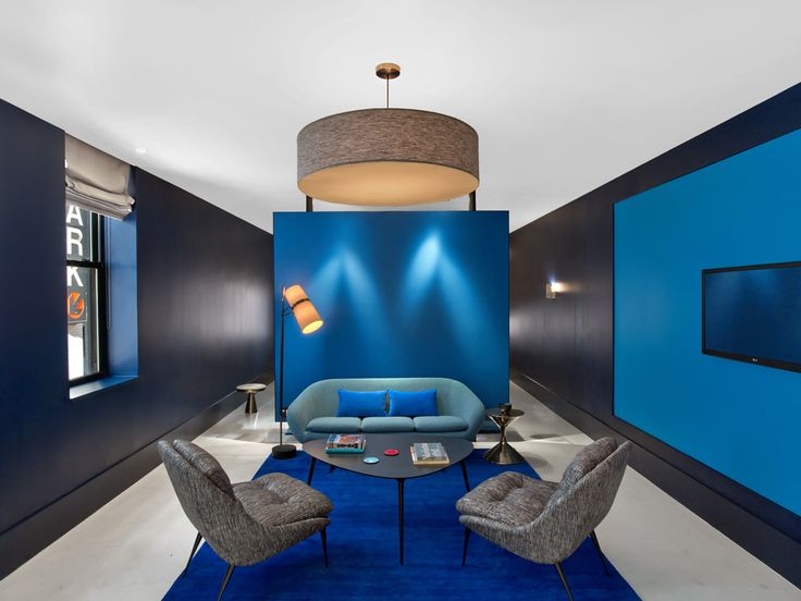 Blue hotel room. Great combinations.