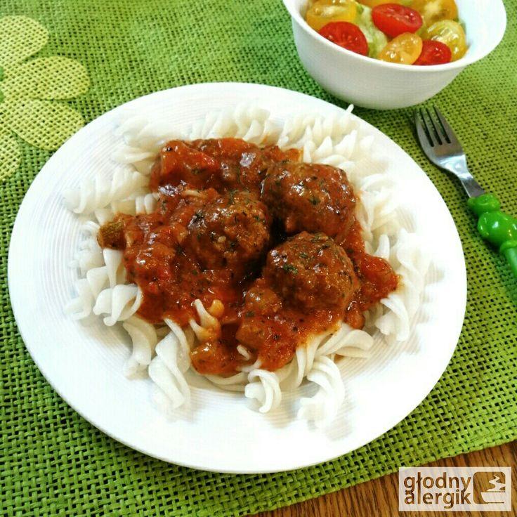 głodny alergik :): Klopsiki w sosie pomidorowym z cukinią i jabłkiem (bez glutenu,mleka i jajek)