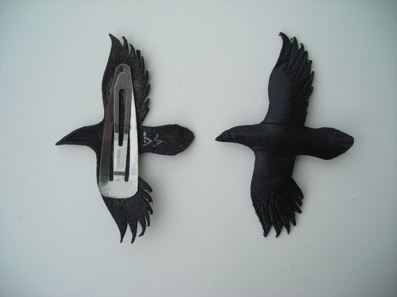 Raven hair clips by wingandtalon on Etsy.