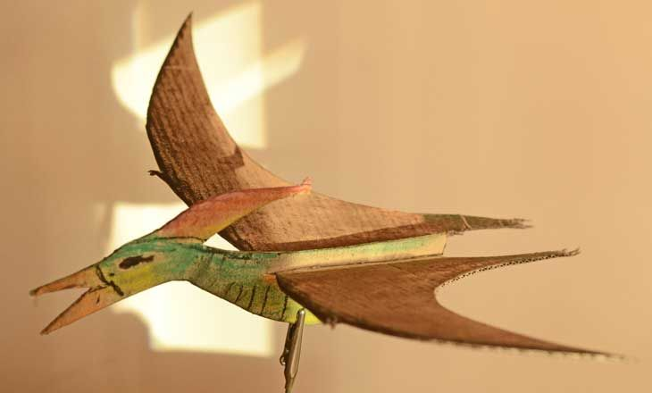 Make a pterodactyl with this easy craft activity for kids.