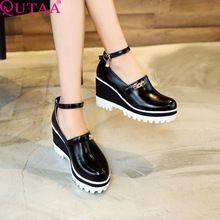 QUTAA 2017 Señoras Del Verano Zapatos De Mujer Rojo Zapatos de Cuña de cuero de LA PU Bomba de Mujer Correa Del Tobillo de Tacón alto Zapato de La Boda de Las Mujeres Tamaño 34-43(China (Mainland))