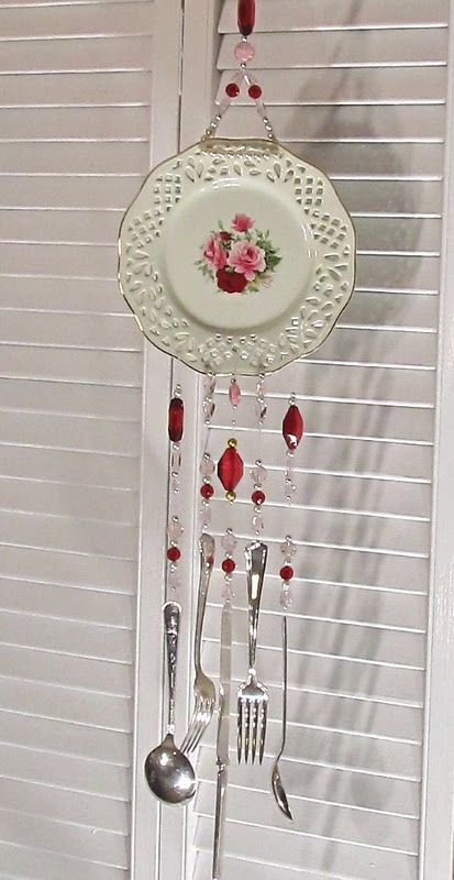 Upcycle plate and silverware to make pretty windchime - shabby chic NOT SURE I REALLY LIKE THAT DO YOU MARTY MOO?