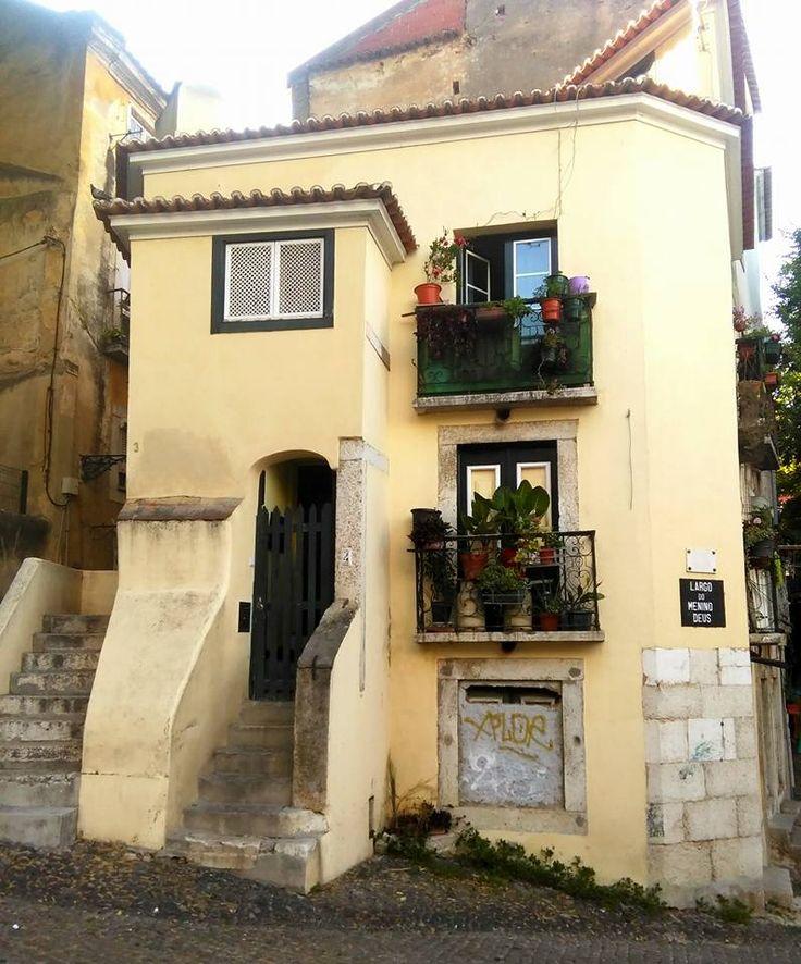 Pelos bairros históricos, como a Mouraria, Alfama e Bairro Alto, ainda encontramos edifícios anteriores ao Terramoto de 1755, que sobreviveram a um estrondoso abanão e que estão para ficar. Apesar …
