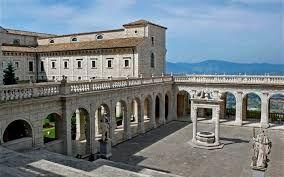 Claustros de Montecassino-Frosinone - Lazio - IT