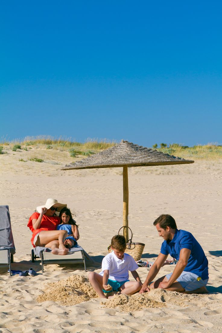 Time for family at the hotel's beach. We love Altura!