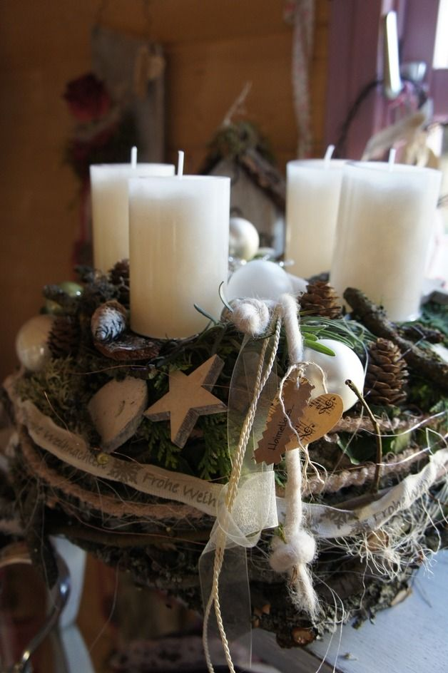 "Adventskranz ""Schneegestöber"".                        Advent wreath ""snow flurry"""