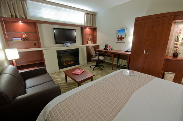 Canad Inns Garden City King Room Fire Place http://www.canadinns.com/stay/stay-main.php?entry_id=8567