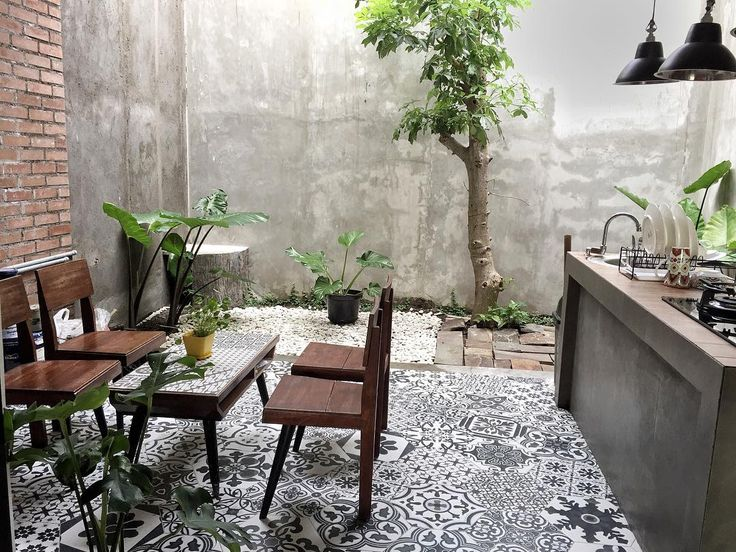 """367 Likes, 33 Comments - miky setiawan (@mikysetiawan) on Instagram: """"SORE TEDUH ☘ . . Ini bagian teras belakang rumah yang menyatu dengan dapur bersih.. yang mau…"""""""