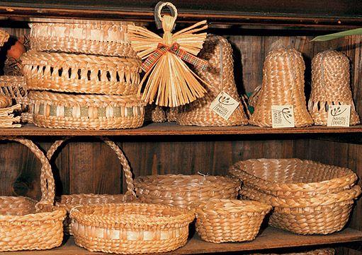 Pletařka orobincových klobouků, tašek, ošatek i dekorací - Na návštěvě