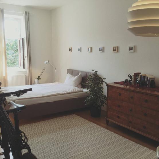 ... Schön Und Schlicht Eingerichtetes WG Zimmer In München Mit Teppich   Wohnideen  Wg Zimmer ...