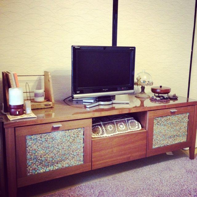 女性で、1LDK、家族住まいの和室/ウォールナット/雑貨/リビングについてのインテリア実例を紹介。「どーんとおっきいテレビがほしい…。」(この写真は 2014-02-10 13:09:51 に共有されました)