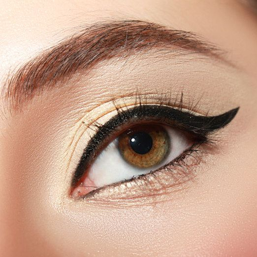 Maquiadores da MAC contam segredos para conseguir efeitos incríveis com…